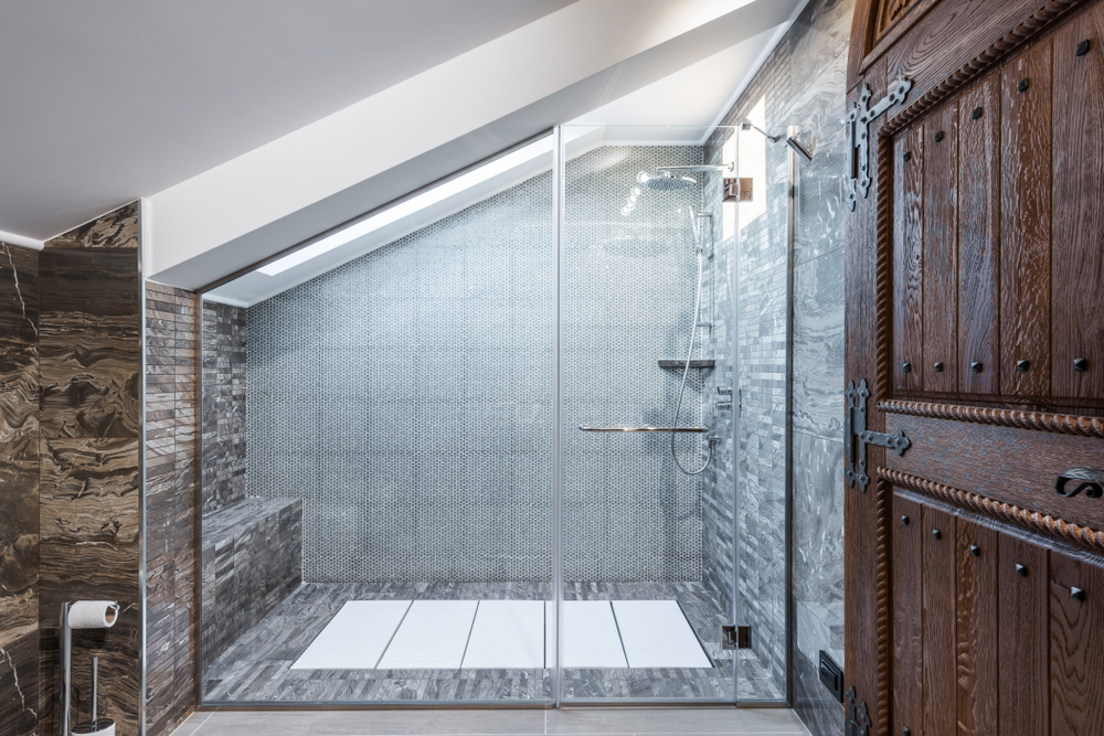 A unique loft diagonal glass shower